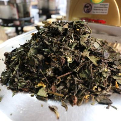 Weißer und Oolong Tee